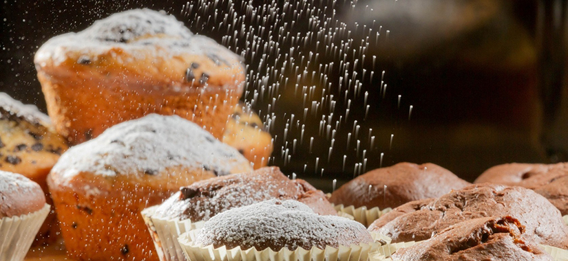 6946953-cupcakes-icing-sugar-baking